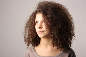Trucs et astuces pour entretenir les cheveux secs